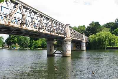 BourneEnd Railway Bridge